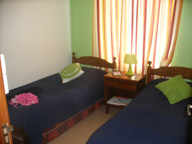 Chambre 2 lits simples, clim, ventilateur,